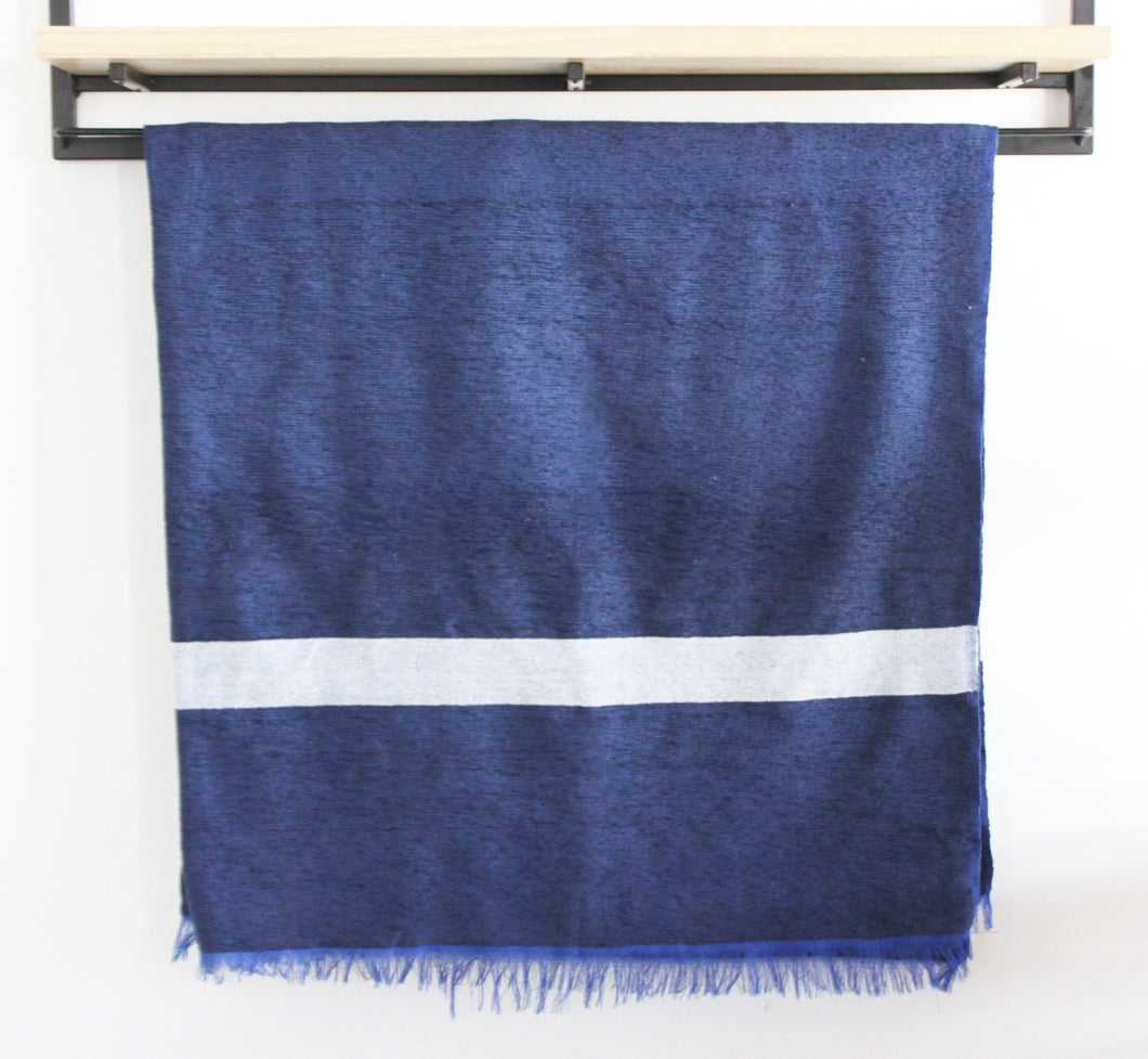 Luna - Large Blue And White Luxury Cashmere Moroccan Throw