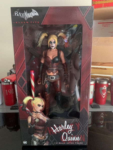 Harley Quinn / Arkham City - 1/4 Scale Figure (1pc master)