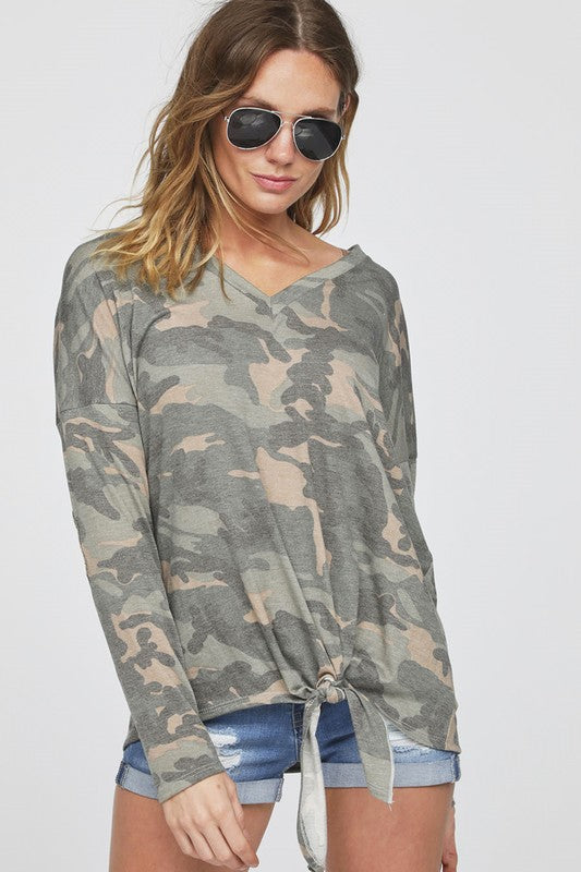 Glamo Camo V-neck Jersey Knit Top