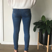 Affordable, comfortable and Australian designed skinny jeans. Classic cut and flattering style, we love these jeans!
