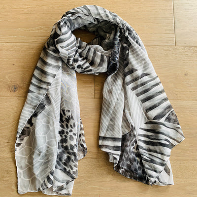 KIIK Grey Animal Print Scarf