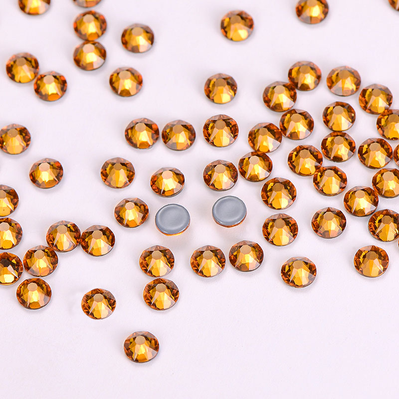 Topaz Glass HotFix Rhinestones 16 Cut Facets