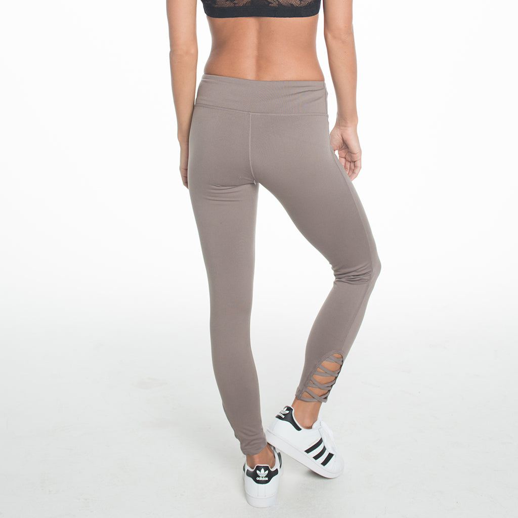 Criss Cross Capri Length Legging - Mocha