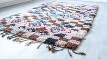 Load image into Gallery viewer, Vintage Boucherouite Rug 'Jouer'