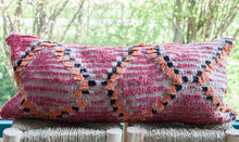 Load image into Gallery viewer, Vintage Boujad Pillow 'Peach'