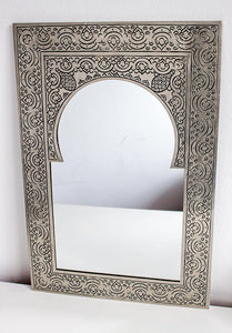 Handmade Mirror 'Mystery' - Medium