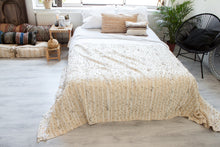 Load image into Gallery viewer, Vintage Wedding Blanket 'Sparkling Simplicity' - a Modern Medina