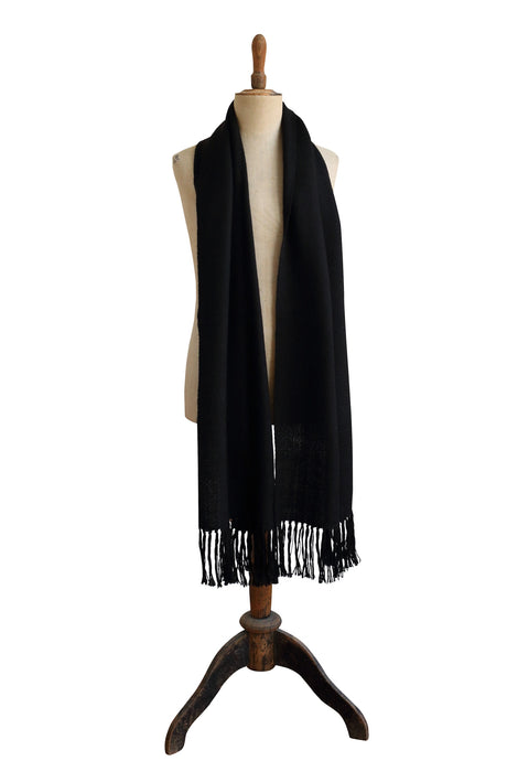 Medium black scarf