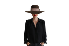 Load image into Gallery viewer, Capeline Hat - Brown