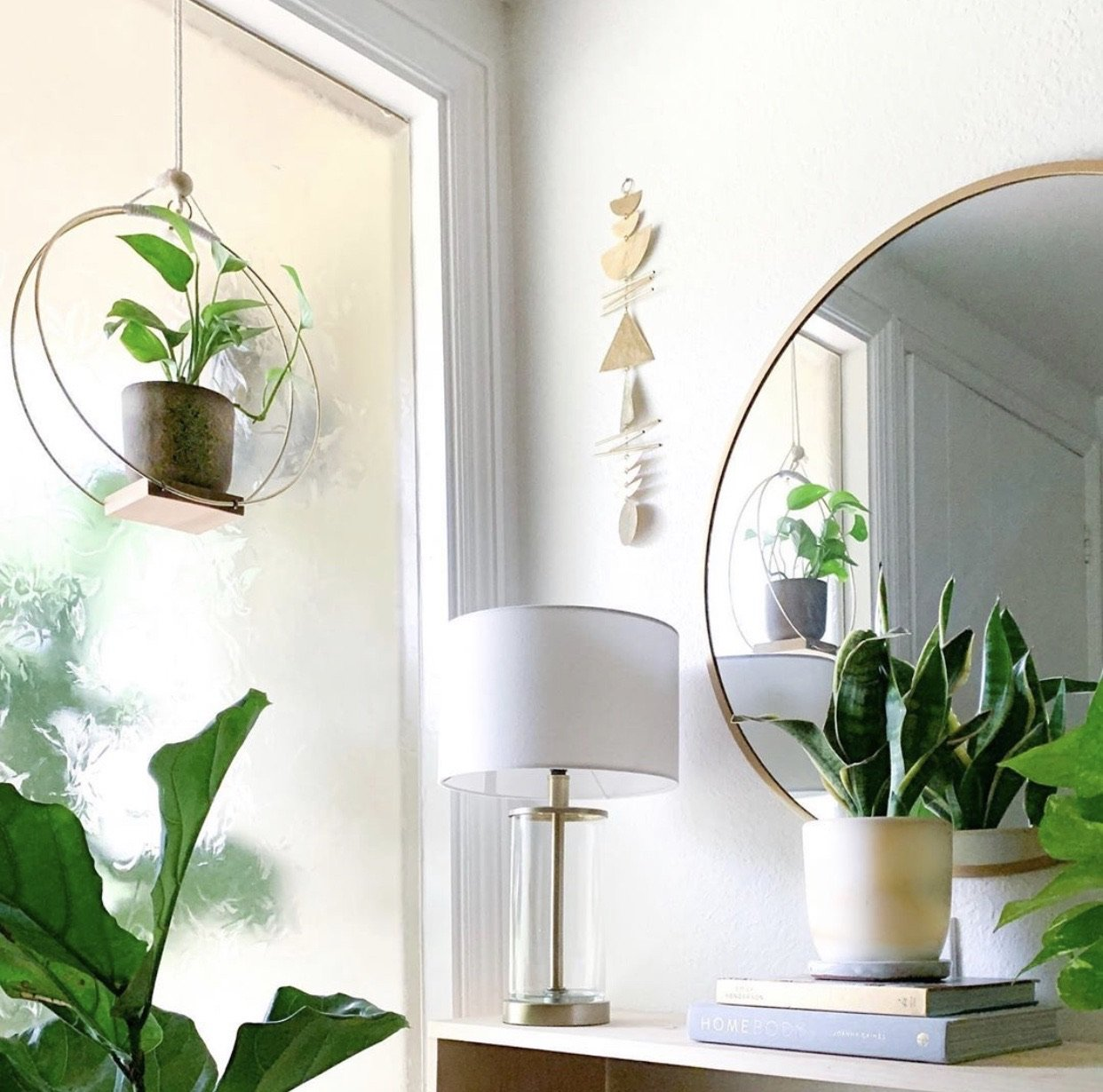 Vida + Luz: True North Hammered Brass Hanging