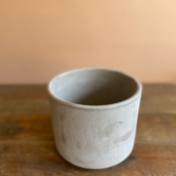 Graphite Clay Cylinder Pot
