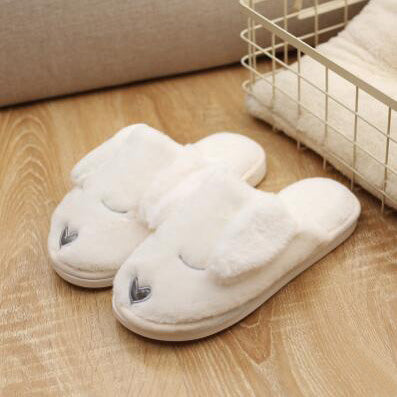 Warm Slippers In White