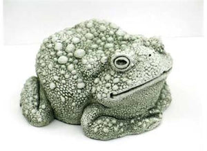 LARGE TOAD STATUE