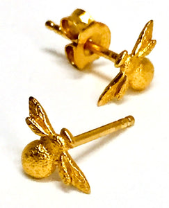 Earring Bee Posts