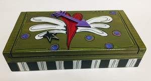 Flip Top Box w/Heart w/Wing