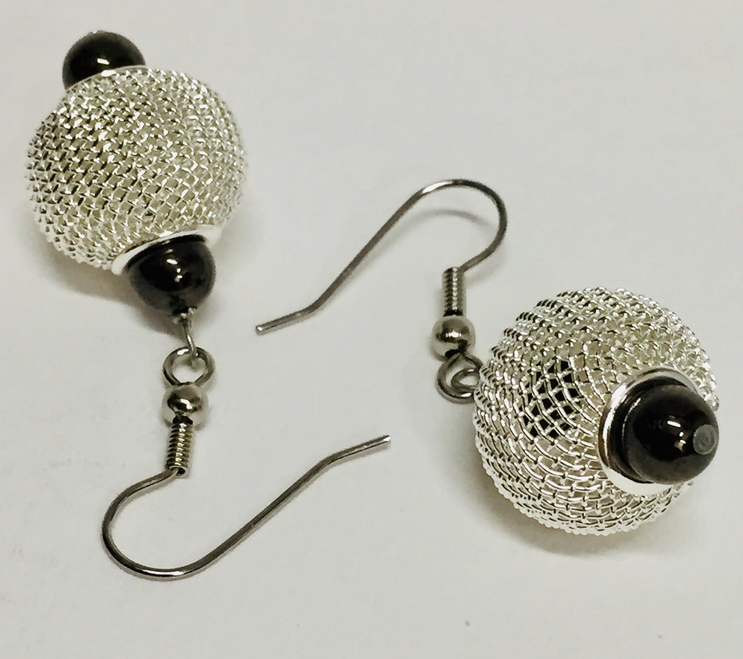Round Mesh Bead Earrings