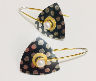 Ear, SS Batik Dots Cultured Pearl