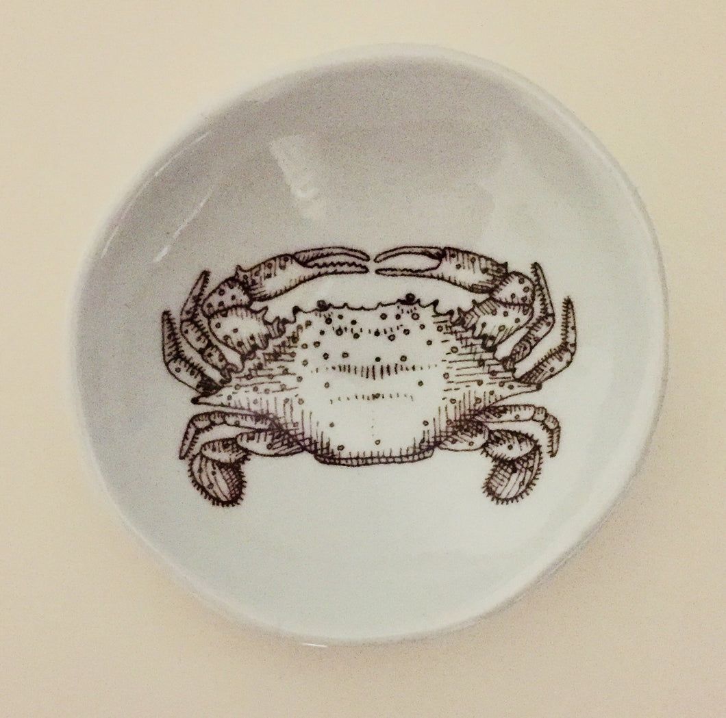 Small Woodgrain Dish with Crab