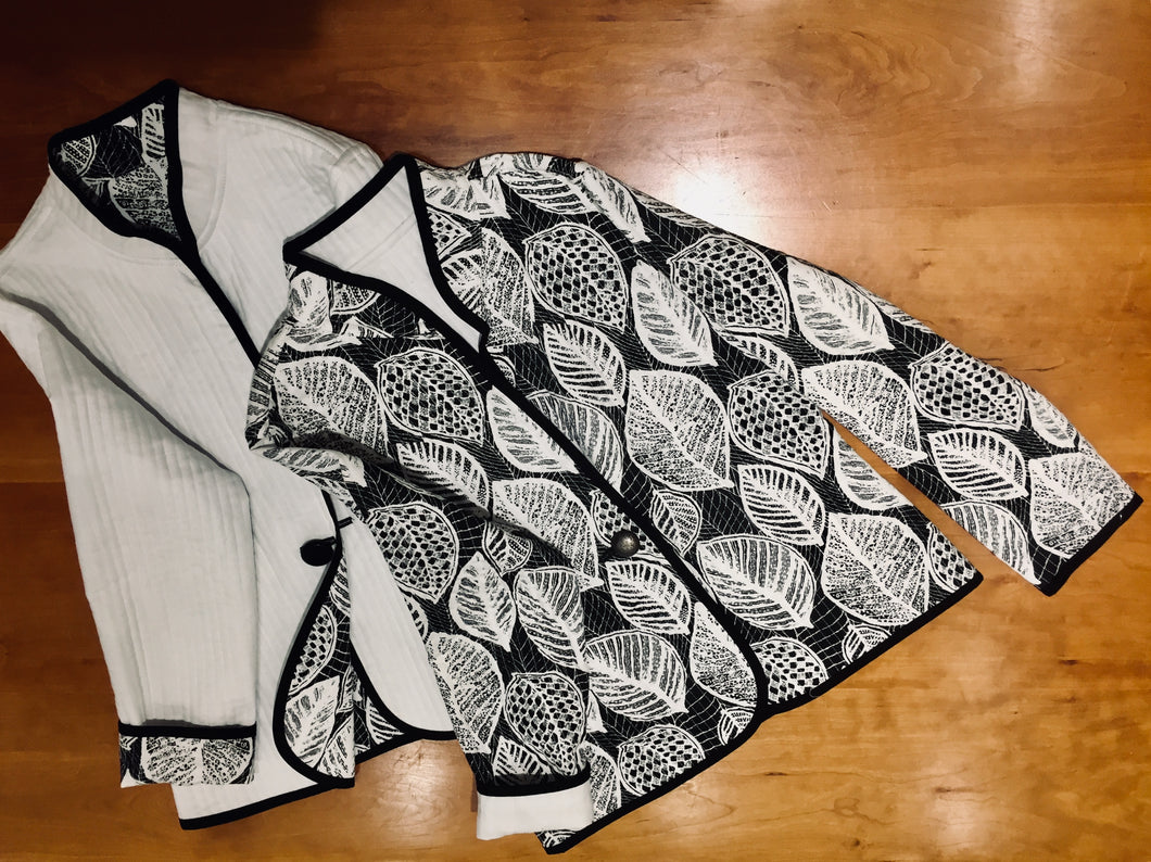 Classic Quilted Botanical B/W S