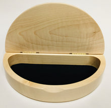 Load image into Gallery viewer, Scallop Box Maple