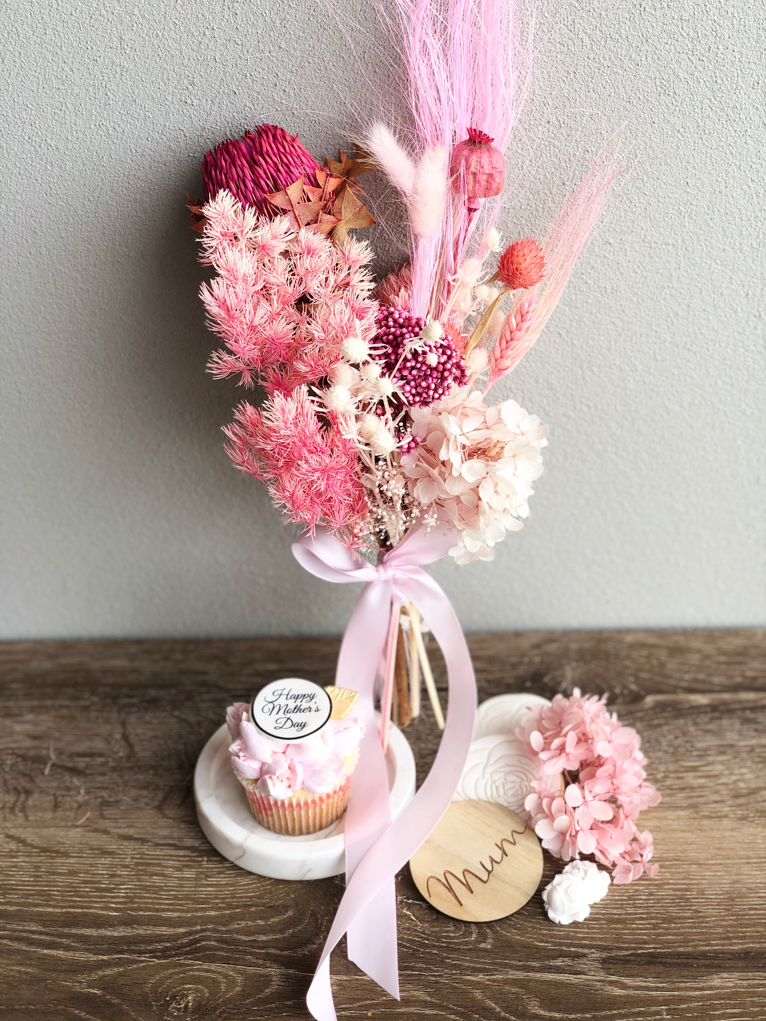 Cinta Rose 4 Pack of Mother's Day Cupcakes & Petite Preserved Arrangement
