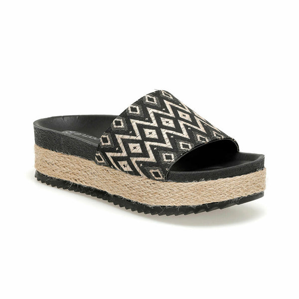 Flatform Sandals Tribal Pattern Black Flatform Sandals - Mythical Kitty