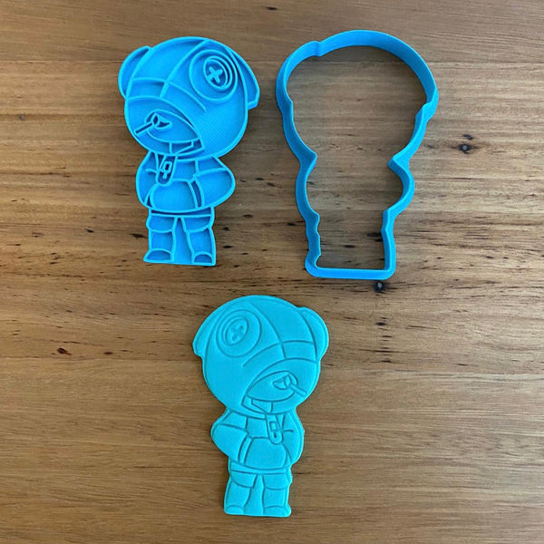 "Brawls - Leon  Cookie Cutter and optional Stamp measures approx. 90mm tall.  Also, don't miss our other Brawls or Kids themed cookie cutters, search for ""Kids"" or ""Brawls"" in our search bar."