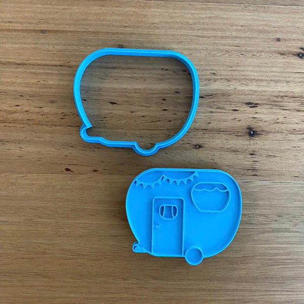Caravan - Cookie Cutter and optional Fondant Stamp measures approx. 80mm tall by 80mm wide.  Don't miss our other Transport items by searching