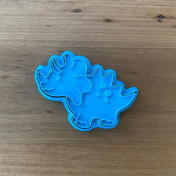Stegosaurus Dinosaur style #1 - Cookie Cutter and optional Fondant Stamp measures approx. 100mm tall by 75mm wide.  PYO set by @cookies_by_amelia  Don't miss our other Dinosaur styles by searching