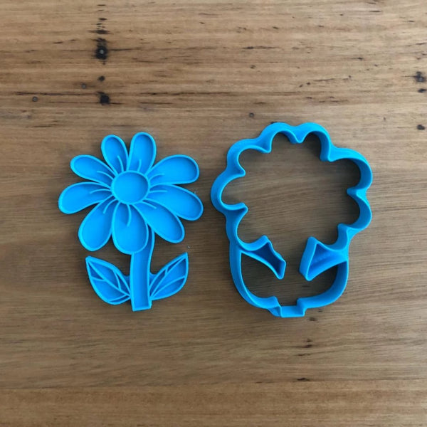 Flower & Pot Cookie Cutter and optional Fondant Stamp  You have 3 options:  1) The outline cutter of the flower in the pot designed for cutting Cookies,  2) The flower cutter with the stamp designed for cutting Fondant to suit the flower and pot in 1) above,  3) All 3,