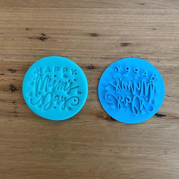 """Happy Mum's Day"" Mother's Day style #6 Emboss Stamp  This design suits cookies from 70mm diameter. Each stamp comes with a handle on the top to help with application and removal of the stamp. This significantly improves the quality of your finished cookie."