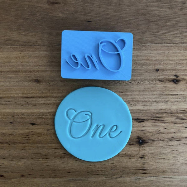 One / Number 1 Stamp in script font measures 28mm tall and 50mm wide at the largest sections. Perfect for customising your own stamps with a nice design!