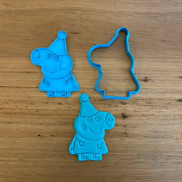 Peppa Pig with hat Cookie Cutter and optional Stamp measures approx. 80mm tall by 70xmm wide.  You can choose just the outline cookie cutter or add the stamp for fondant or royal icing decoration.  Also, don't miss our other Kids themed cookie cutters, search for