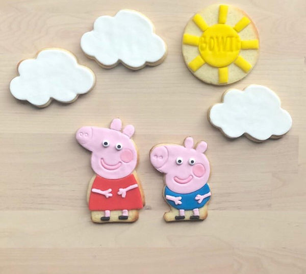 Peppa Pig, Muddy Puddle and Dinosaur Fondant Cutter Set. Head measures approx. 76mm tall by 80mm wide.