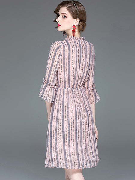 Chic Strip 3/4 Sleeve Sashes O-Neck Big Hem Dress