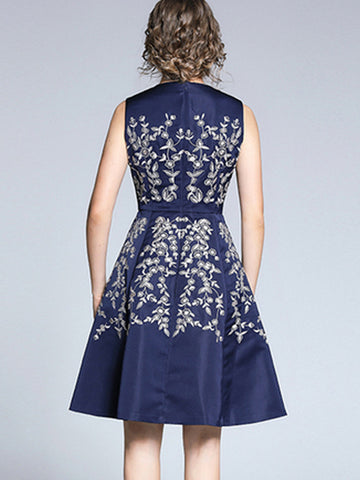 Sleeveless Gathered Waist Embroidery Skater Dress