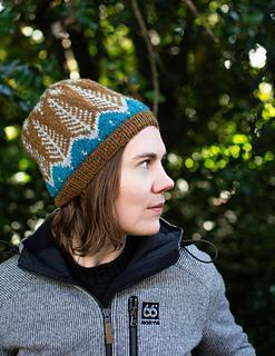 Colorwork technique for long floats, the Gleoi Hat-class-The Sated Sheep-The Sated Sheep