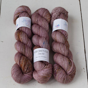 Uschitita Singles-Yarn-Uschitita-Patisserie-The Sated Sheep