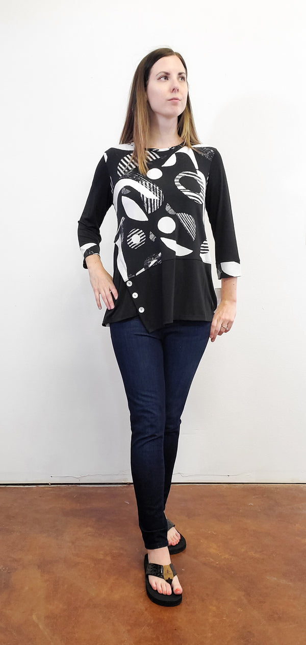 Geonelle Black and White Geometric Tunic