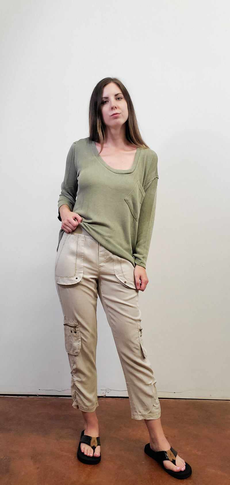 Thin Relaxed Olive Pullover