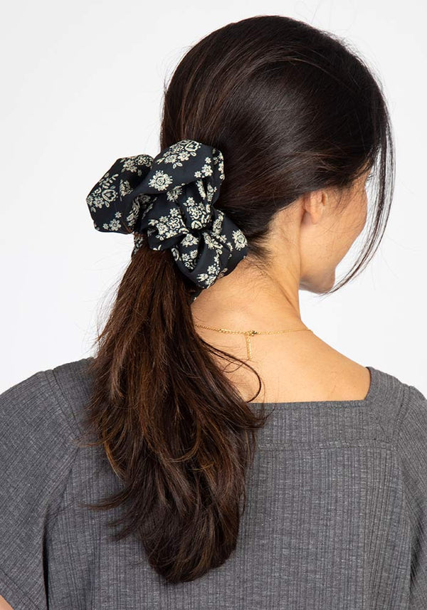 Black Cream Floral Super Scrunchie