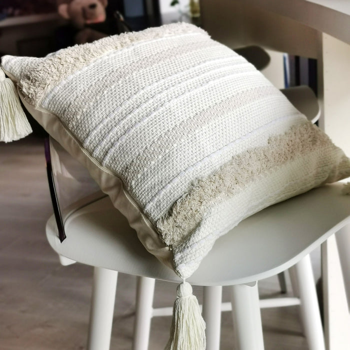 Boho Tufted Pillowcase with Tassels