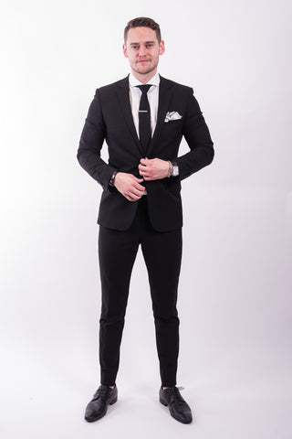 How To Wear A Classic Black Suit Ticknors Men S Clothiers