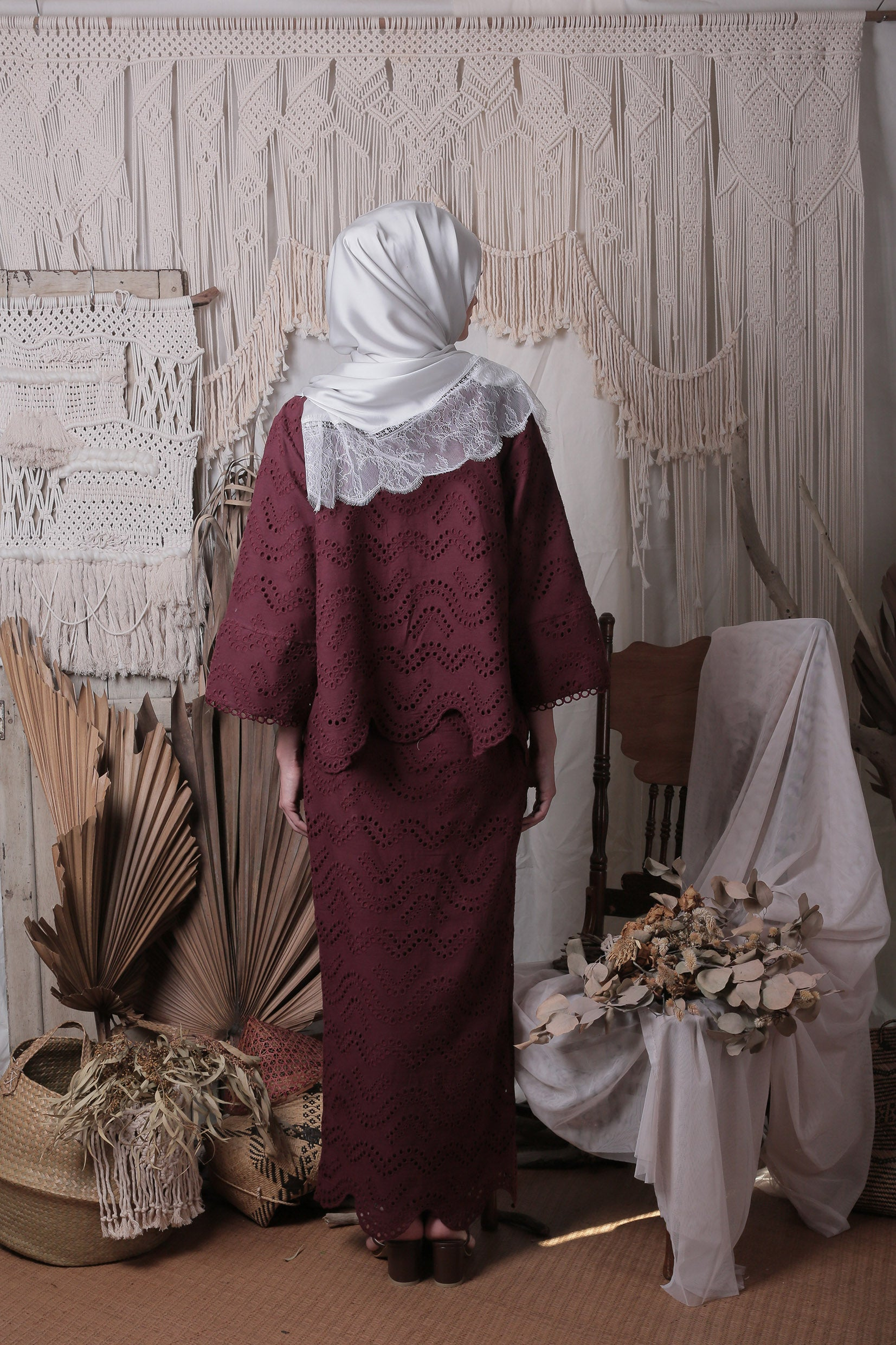 Layla Loose Kebaya Set (Burgundy)