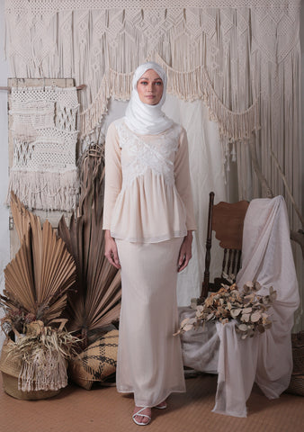 Madeleine Lace Kurung Set (Cream)