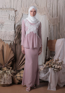 Madeleine Lace Kurung Set (Dusty Pink)