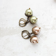 Load image into Gallery viewer, Acorn Necklace - Copper Pearl
