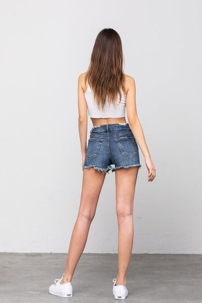 MID-RISE PREMIUM DISTRESSED SHORTS