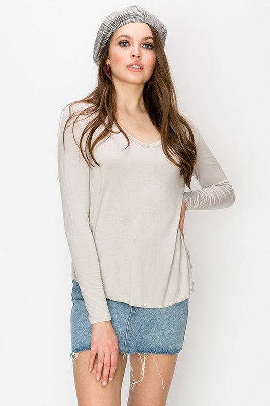 "HYFVE ""Alpaca"" Color V-Neck Long Sleeve Top"