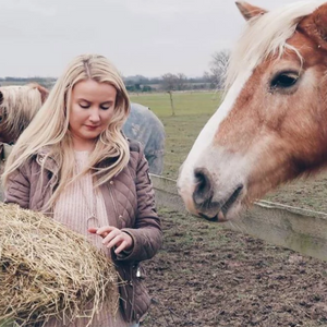 GUEST BLOG: How to go plastic-free with your horse feed | By The Horse Feed Guru